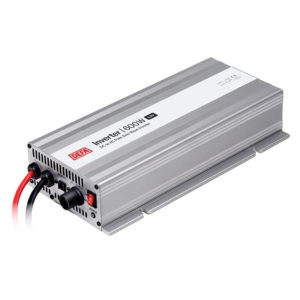 DEFA Inverter 600W/12V, white background