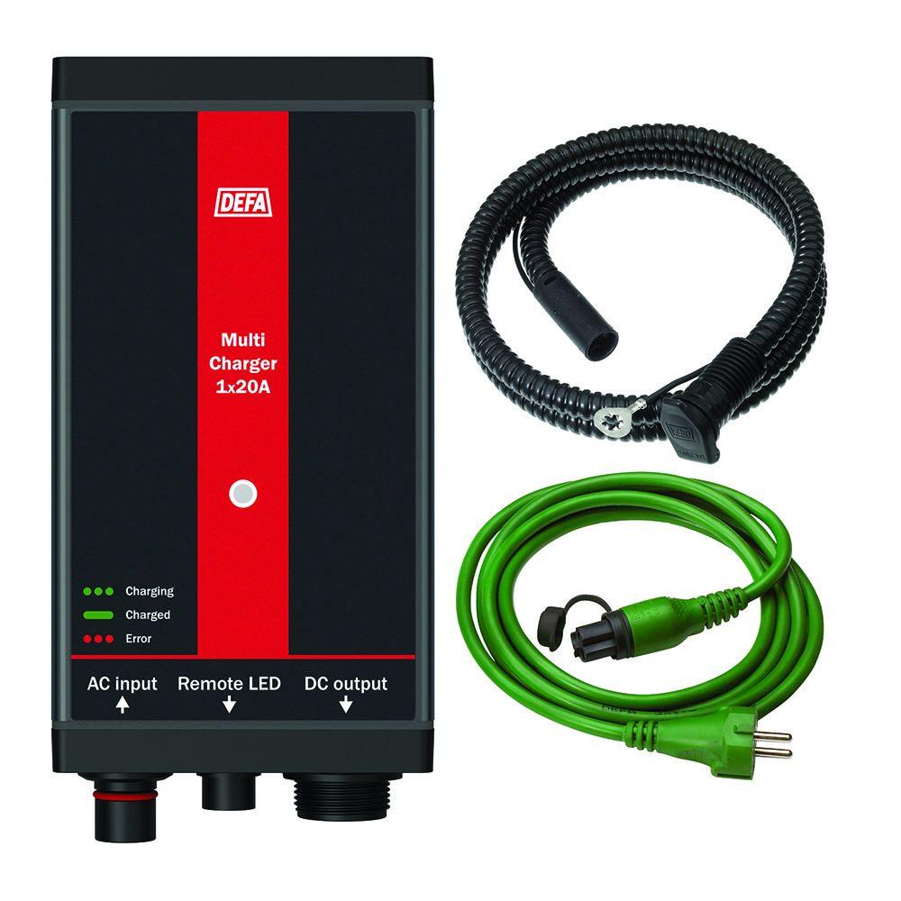 ChargerKit 1x20A, bestående av batterilader, apparatinntak, og tilkoblingsledning
