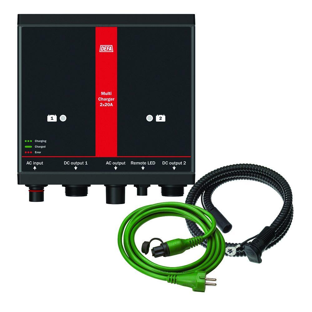 ChargerKit 2x20A, bestående av batterilader, apparatinntak, og tilkoblingsledning