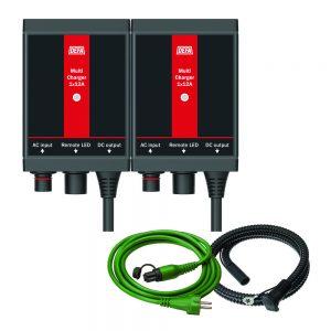 ChargerKit 2x12A, bestående av batterilader, apparatinntak, og tilkoblingsledning
