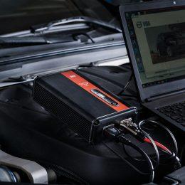 WorkshopCharger påkoblet i motorrom