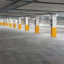 Large parking facility with eRange Uno stations at every parking space
