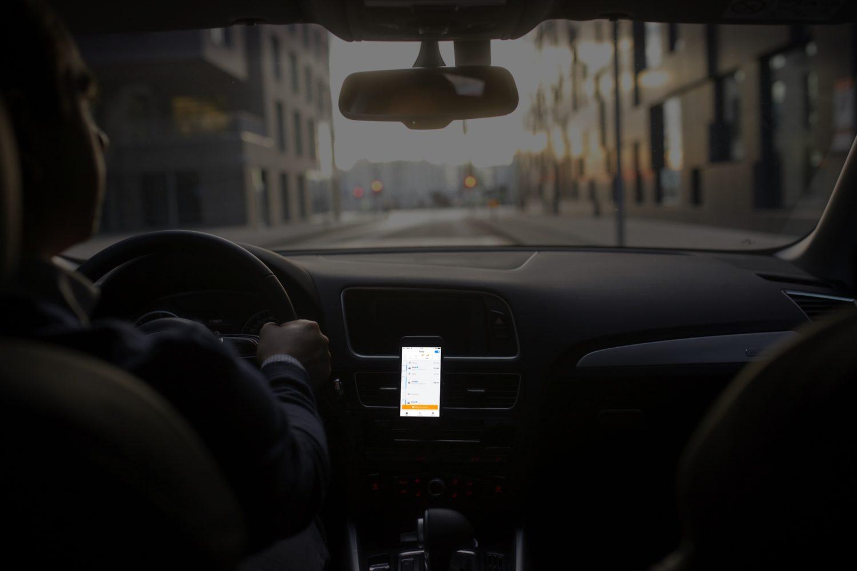 Plot app, i bil